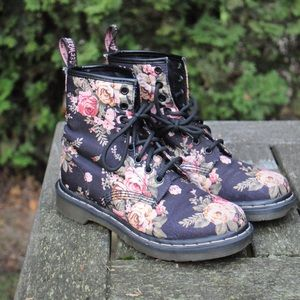 Doc martens - floral canvas, women's US 6, EU 37